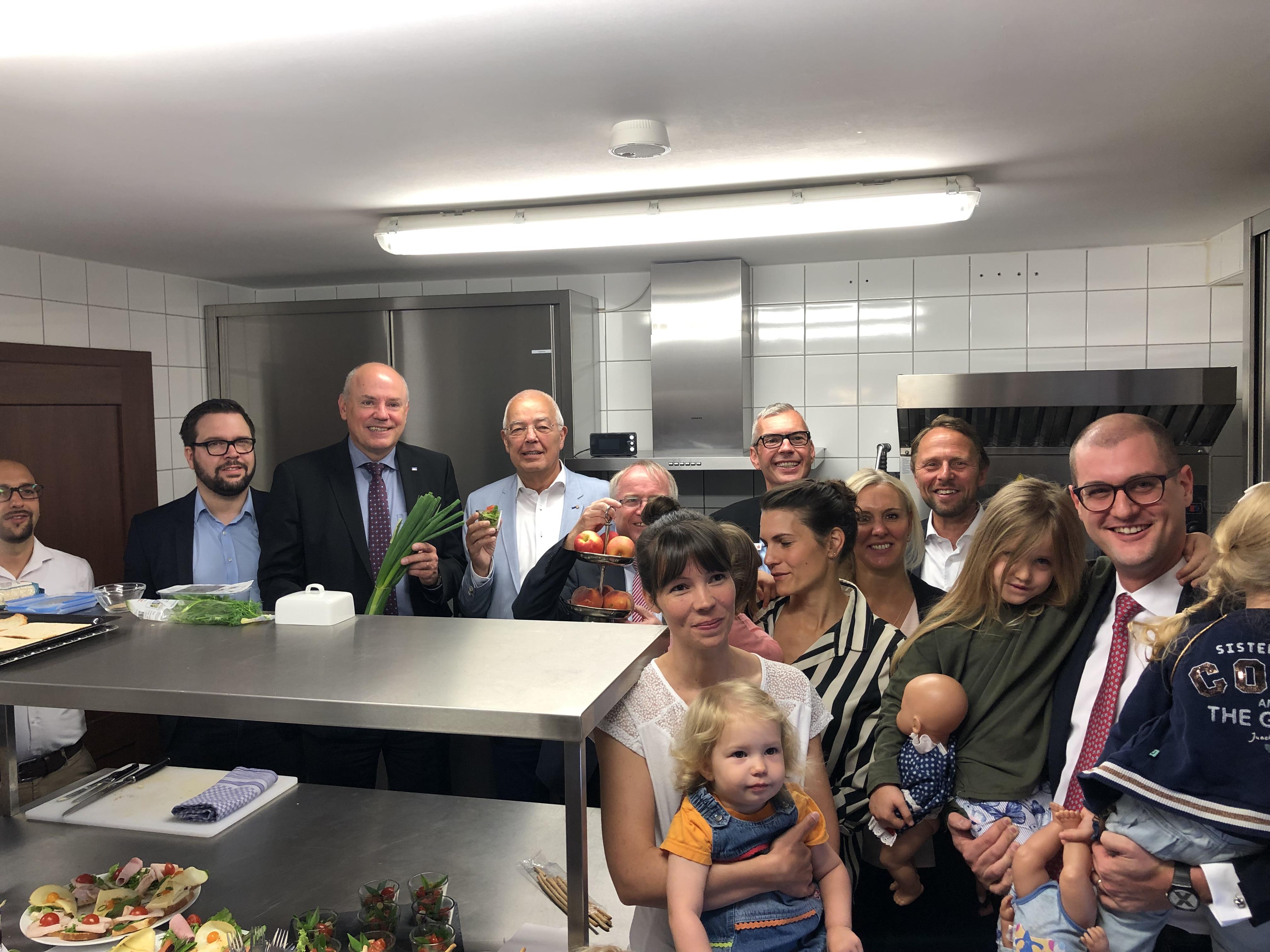 Eine Versammlung in der Küche