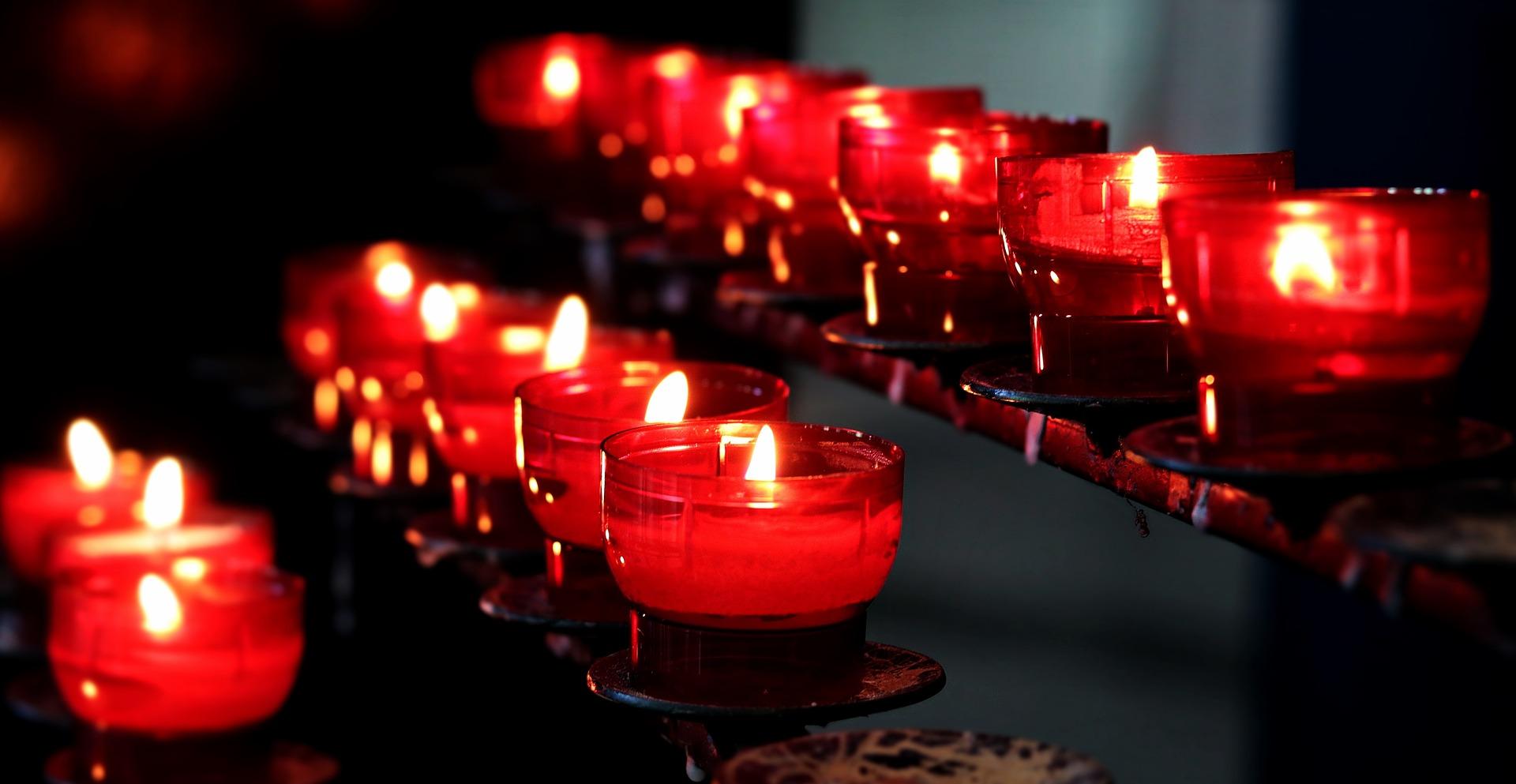 Mehrere Rheine von Kerzen